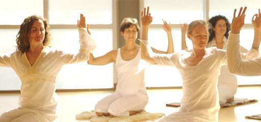 Kundalini Yoga'ya Bugün Ücretsiz Katılın